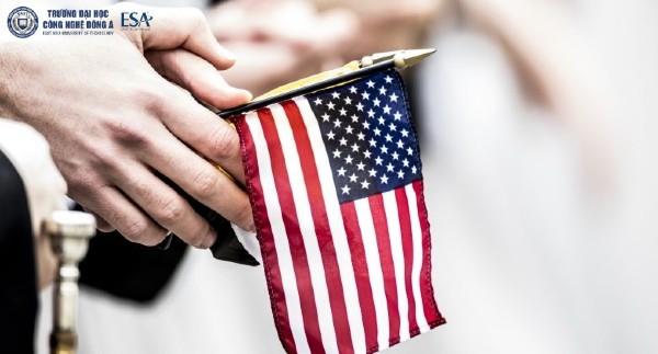 Điều gì khiến văn hóa của Mỹ được tôn vinh như vậy?